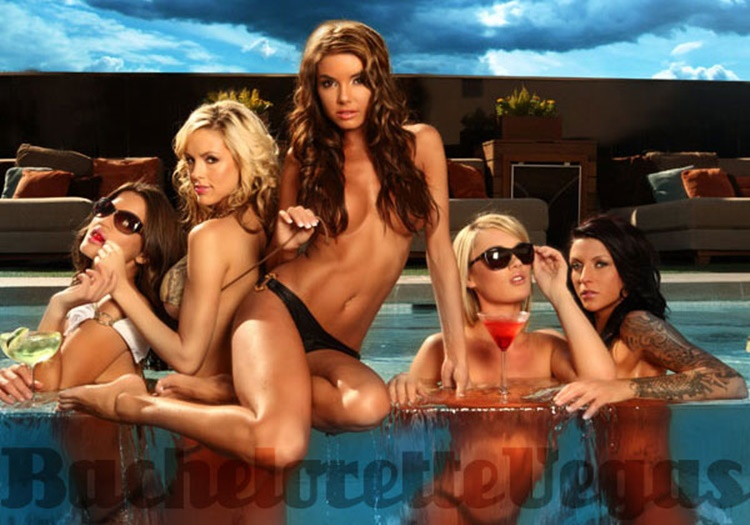 sexy hoola girls