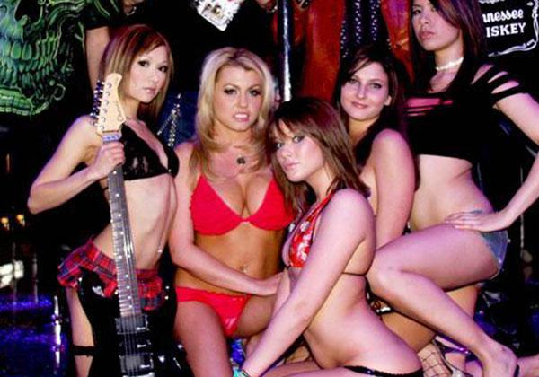 Blow jobs hot women